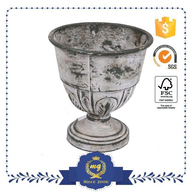 Direct Price Antique Metal Bee Garden Decor Pot