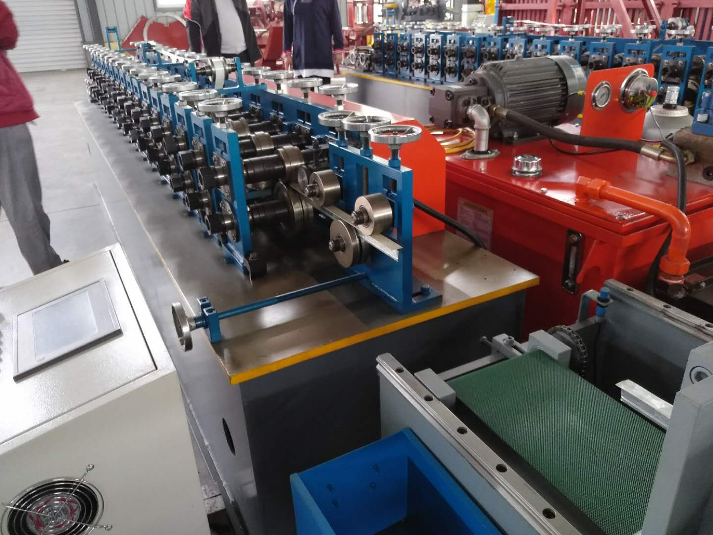 KXD ceiling T bar T grid roll forming machine