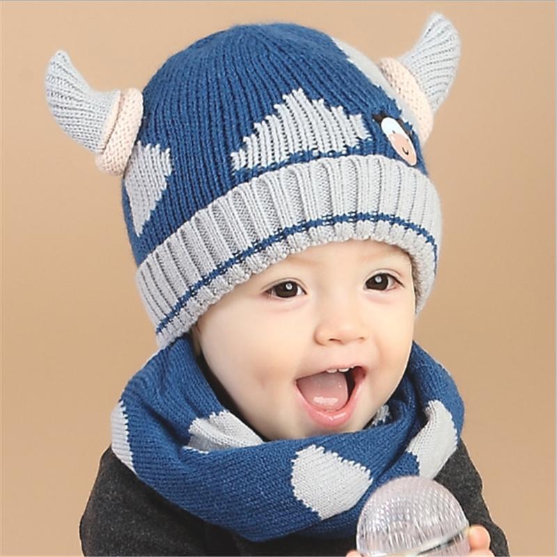 e2dc868a138 Lindo bebé de cuerno de vaca sombrero bebé sombrero de lana bufanda de  algodón puro dentro