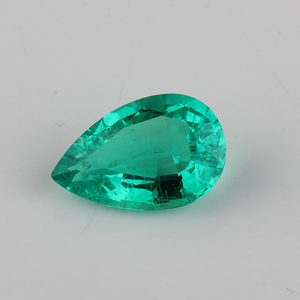 Good clarity Pear shape hydrothermal synthetic emerald