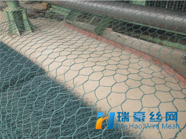 White Pvc Coated Hexagonal Chicken Wire Mesh Factory Price - Buy ...