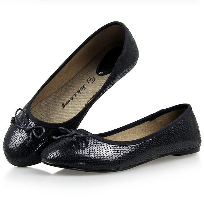 54848eed142f3 Get Quotations · New Fashion Plus Size Bow Round Toe Women Flat Shoes  Comfortable Slip-on Snake Pu