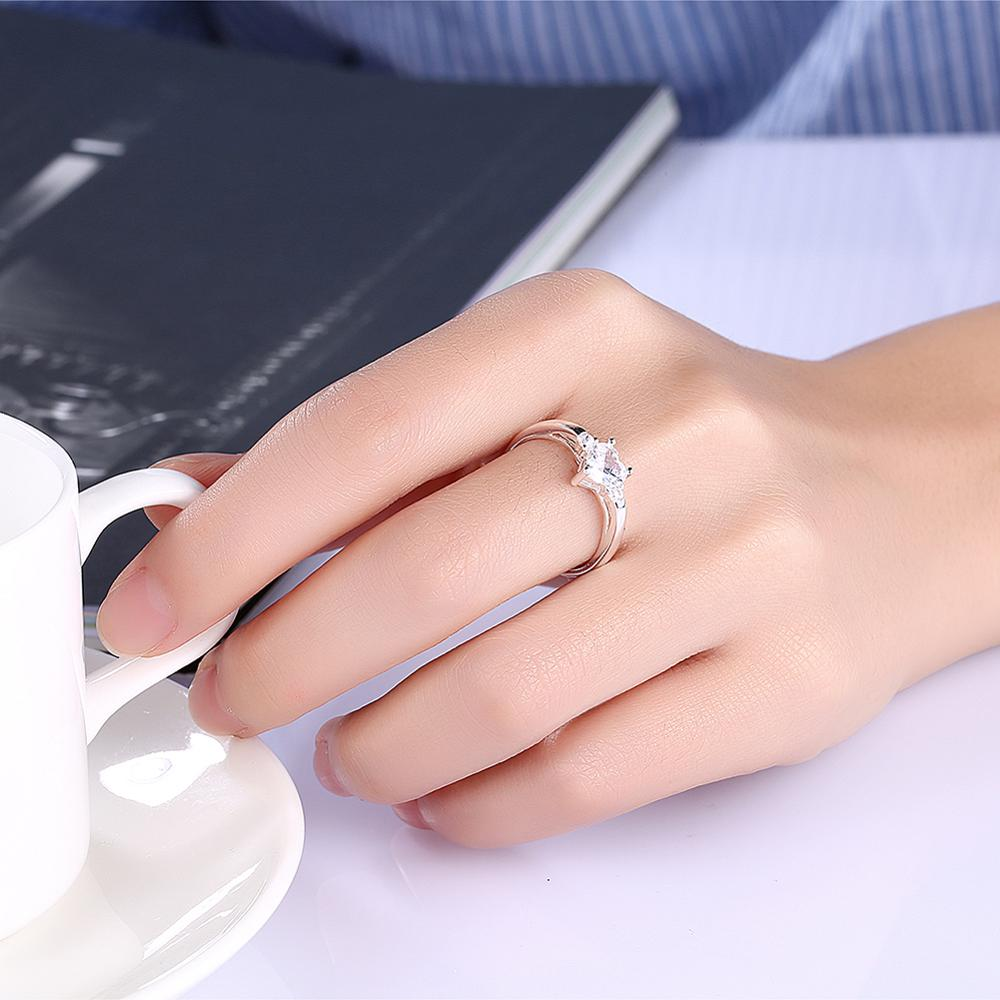 Shopping Clear Diamond Engagement Ring Online Heart Diamond Shaped ...