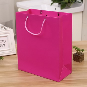 China Yiwu Supplier Eco-Friendly Gift Bags Paper Shopping Bag,Custom Paper Bag With Logo