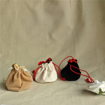 Custom high quality luxury velvet pouch jewelry packaging pouch