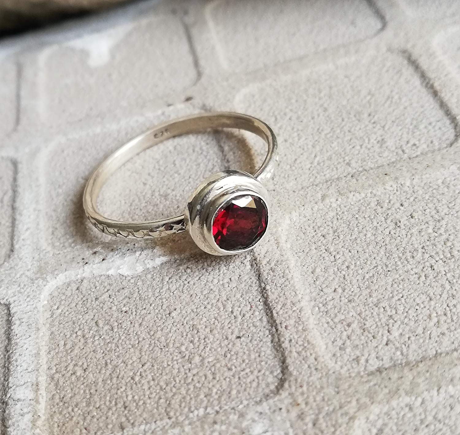 Garnet Ring, 925 Sterling Silver, Round Shape Ring, Tiny Ring, Boho Ring, Charming Ring, Bezel Ring, Any Wear Ring, Bride Ring, Healing Ring, Southwestern Ring, Red Jewelry, Gypsy, US All Size Ring