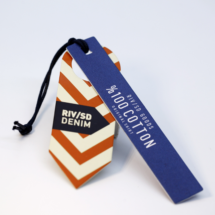 High Quality Custom Logo Clothing Hang Tag With String