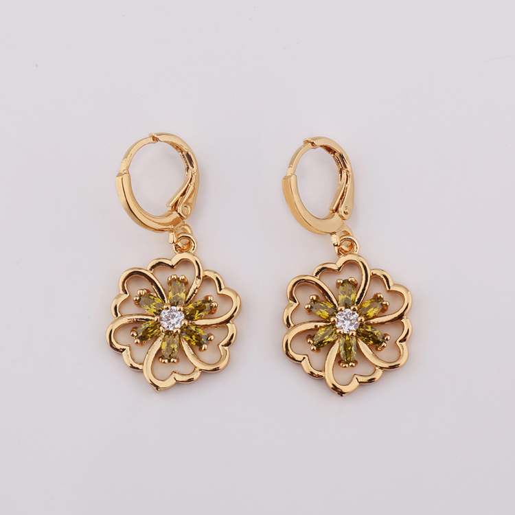 New 2018 Indian 22k Gold Hanging Earring Design For Women