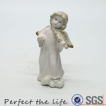 ceramic playing violin baby Cherub with red rim on the cloth