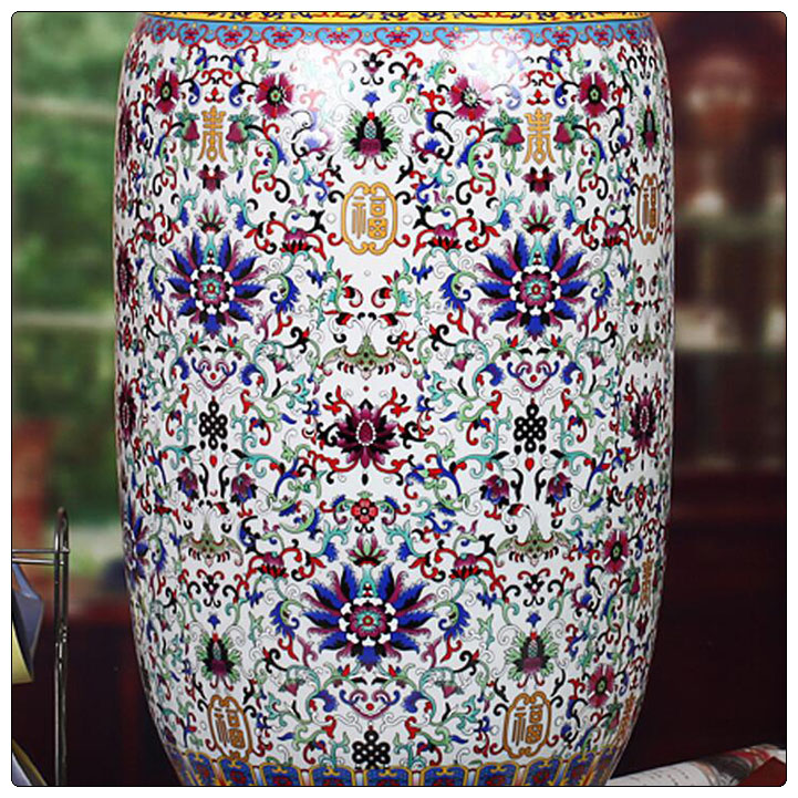 Art hand painted ceramic vase with high collection value