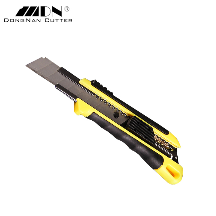 High Quality Trade Assurance 18mm Rubber Cutting Knife