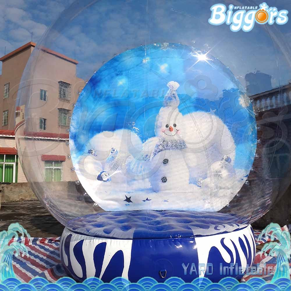 Outdoor inflatable snow globe christmas decorations for for Outdoor christmas globes