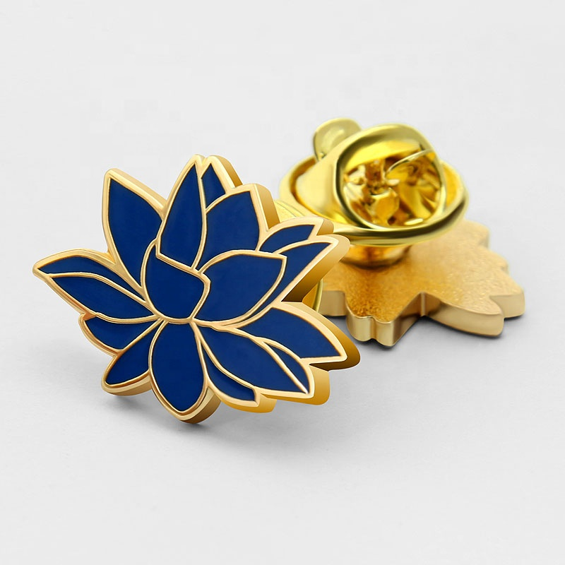 Factory Making wholesale pin badges flower military badge for clothes