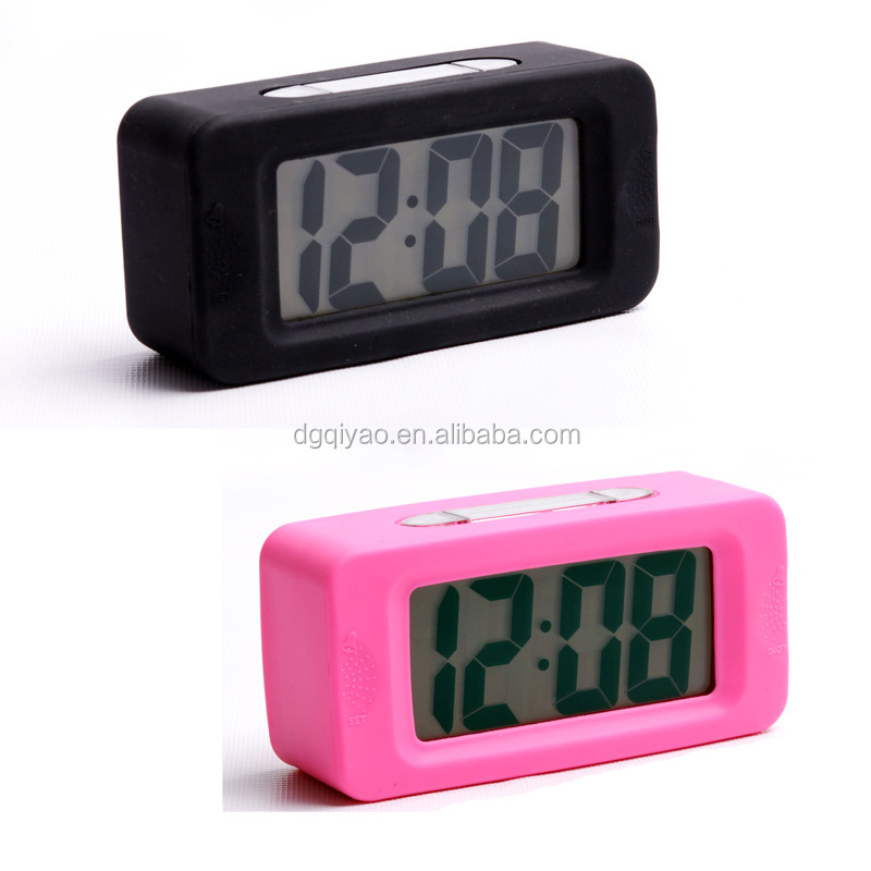 2016 Hot selling manufacturer alarm mechanical electronics LED table clock