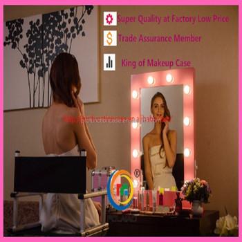 mobile illuminato specchio per il trucco cosmetico trucco moderno ... - Mobile Specchio Make Up