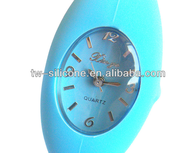 2016 fashion negative ion silicone antique quartz watch