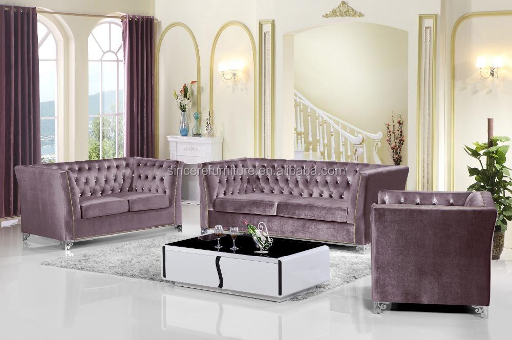 Style moderne salon canap de velours violet velours for Style salon moderne