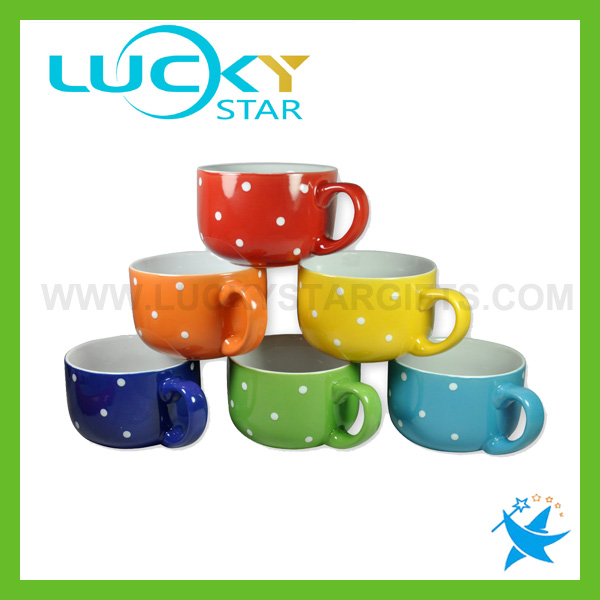 Cheap Ceramic Coffee Cups With Silicone Lid Hot Sale