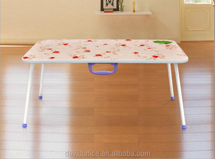 Peque a mesa para el ordenador port til port til plegable for Mesa plegable pequena
