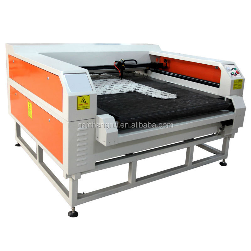Best selling auto feeding fabric laser cutting machine price for making clothes