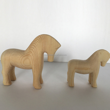 Wholesale Custom Top Fashion Kids Antique Handmade Carved Wooden Crafts Horse