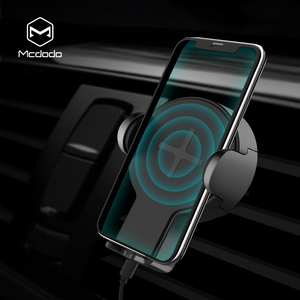 Mcdodo 10W wireless car charger used in different vehicle