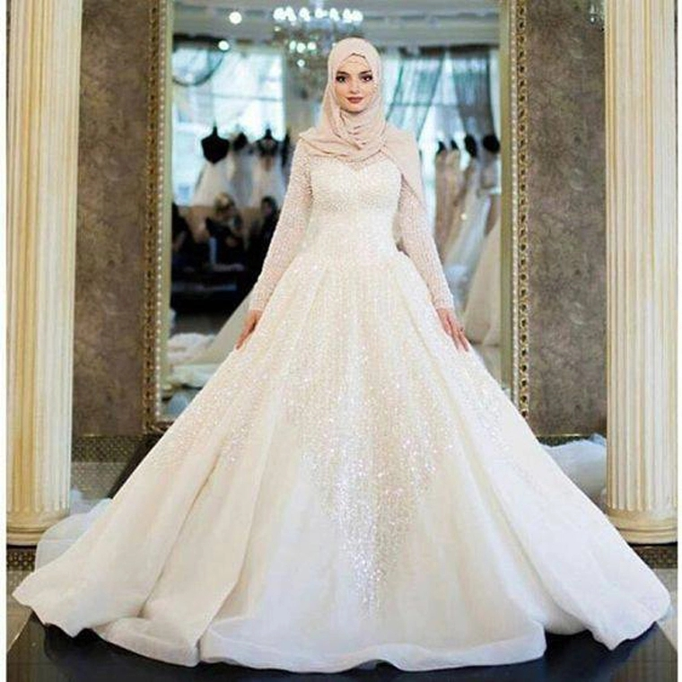 Beading Long Sleeve Muslim Wedding Dress Ball Gown Bling Bling