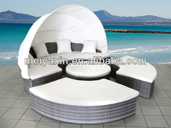 Hot selling patio furniture garden daybed rattan wicker sun lounger with canopy
