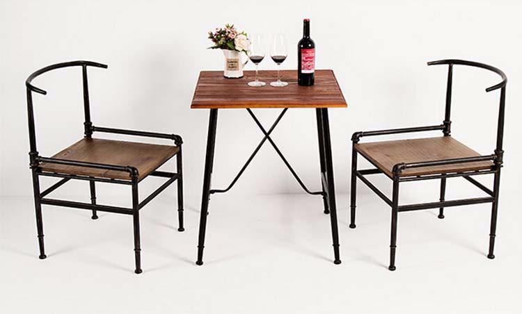 Tavoli e sedie in legno tavoli e sedie in legno with for Fabbrica tavoli in legno