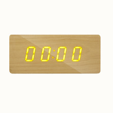 2017 fuuny modern small wood desk digital clock with hands free call