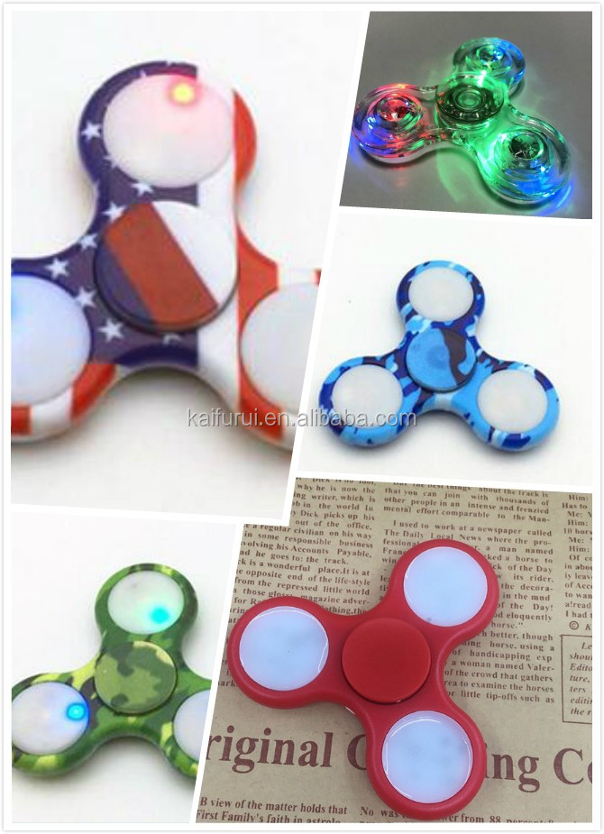 LED Camouflage Color Tri spinner switch control light hand spinner