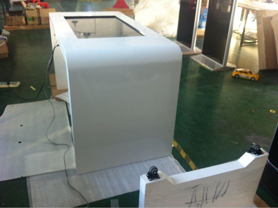 Rete da tavolo piano da 42 pollici touch screen chiosco display advertising con il computer sbi - Tavolo touch screen ...