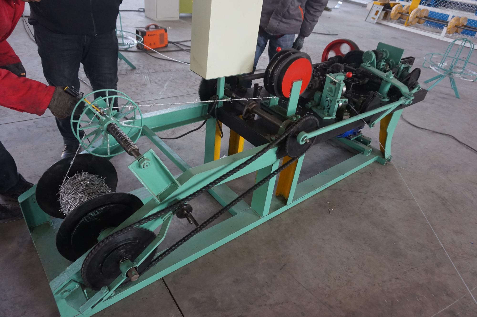Double Stranded Twisted Barbed Wire Machine