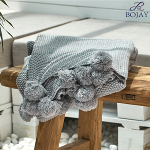 Very Soft Korea Style Wholesale Acrylic 130*160cm Knitted Blanket Leisure Blanket Made in China
