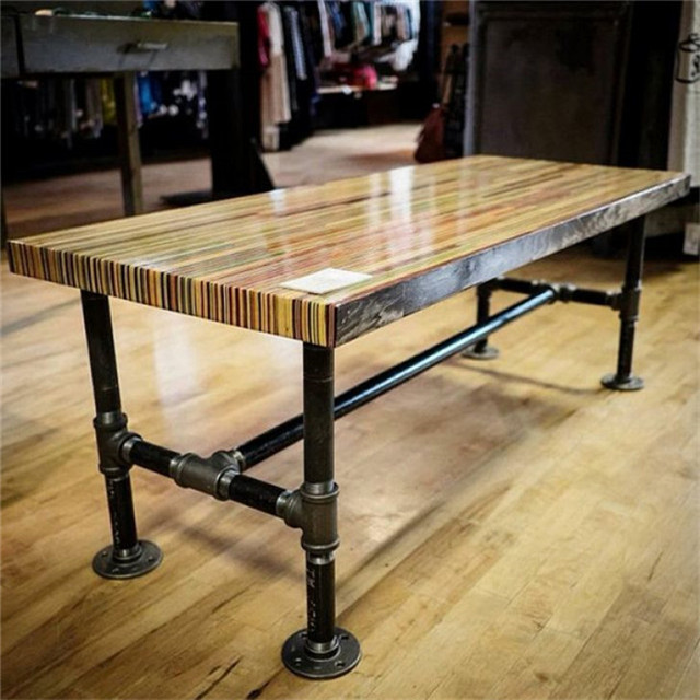 The Embled Black Pipe Legs Of A Diy Chic Workbench Table
