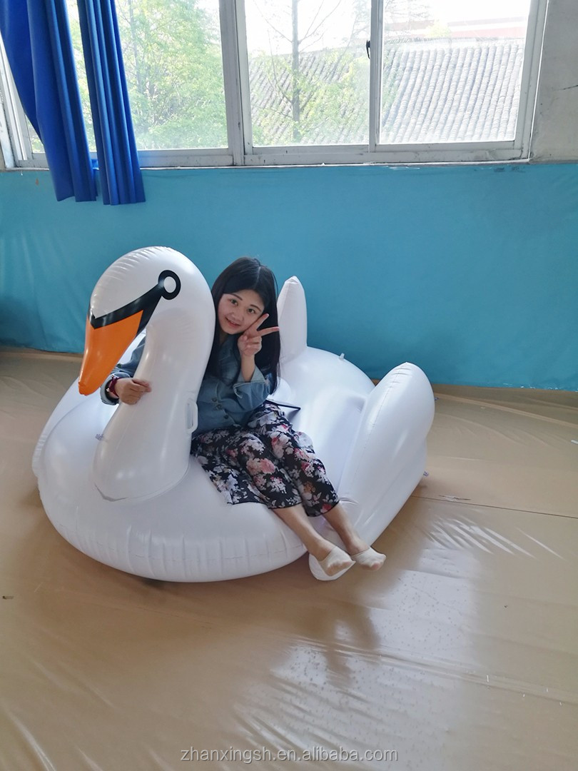 Hot Sale Custom Environmental Giant PVC Inflatable Water Floating Swan