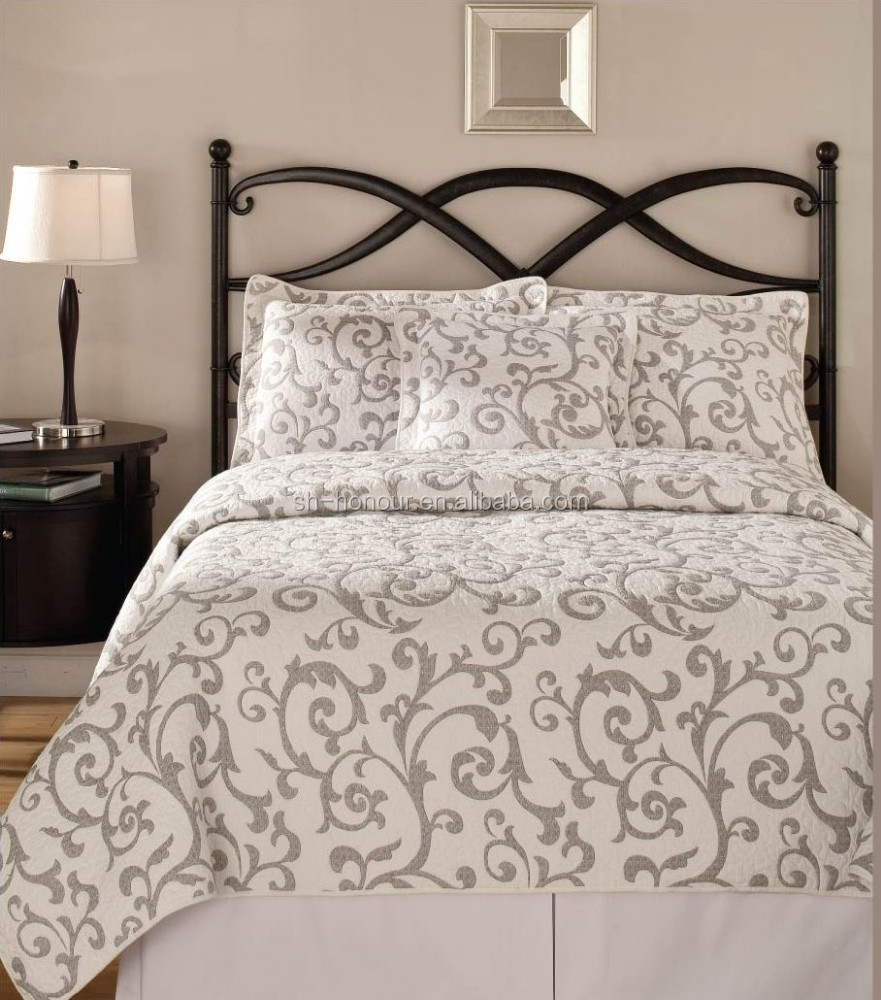 Grey Plain Carving Printed Twin Size Polyester/Cotton Bedspread Quilt Cover
