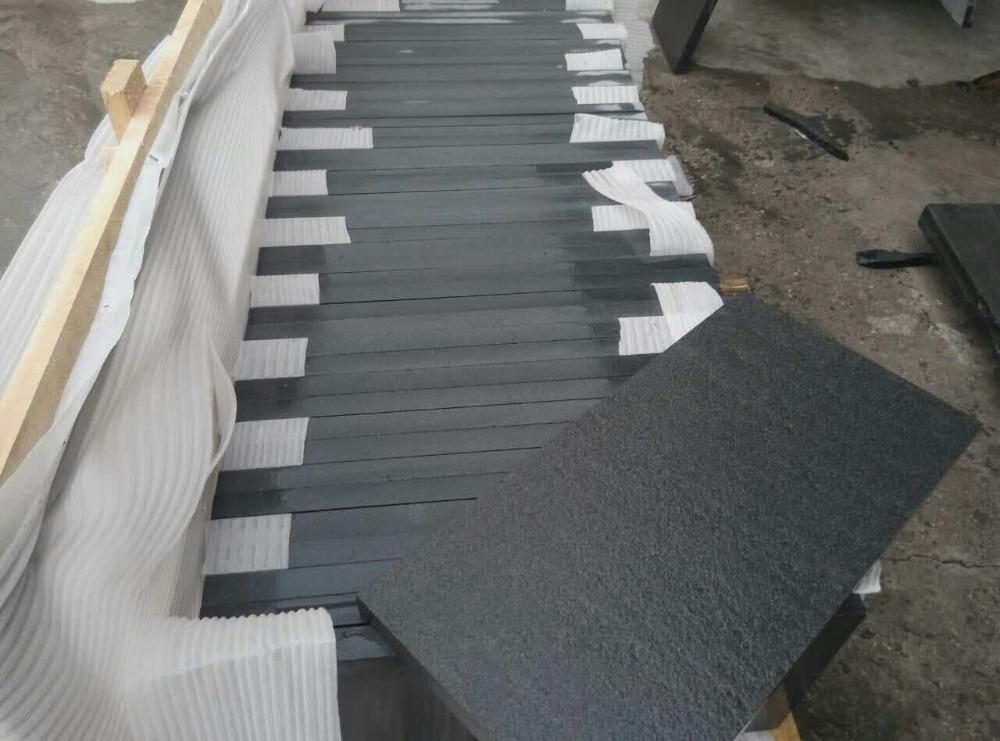 fiammato hebei pavimento di piastrelle in granito nero all 39 aperto granito id prodotto 635933604. Black Bedroom Furniture Sets. Home Design Ideas