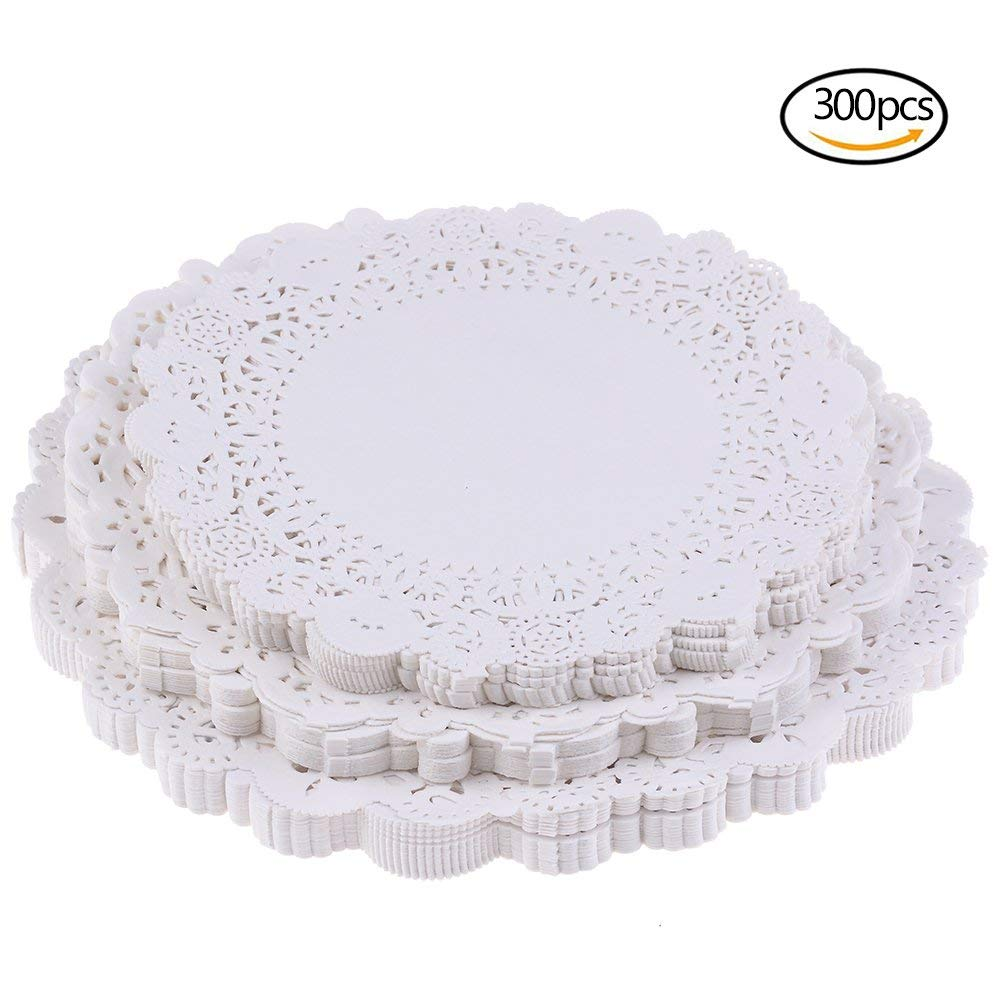uhoMEy Round Paper Doilies, 300 Pcs White Lace Paper Doily Set Party Wedding Cupcake Decorations Candy Cake Packaging Paper Pad, 6.5 Inch, 7.5 Inch, 8.5 Inch