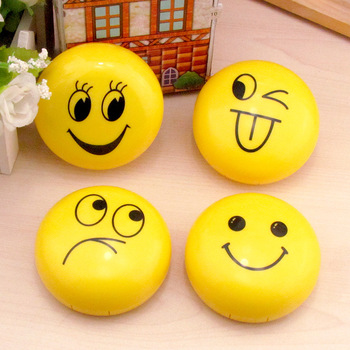 Maimeng  new style Funny smile facial expression style 22mm contact lens travel case custom contact lens case round