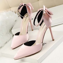 Alibaba hotsale bridal wedding shoes with crystal bow wedding shoes