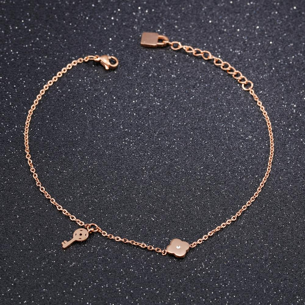 China Wholesale Market Rose Gold Chain Small Key Clover Charm Bracelet For Women