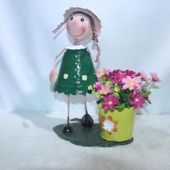 Chine Pas Cher Mignon Jardiniere En Metal Artisanat Fille Poupee Mignon Pot De Fleur Pour La Decoration De Jardin Buy Planteur Mignon Pour La