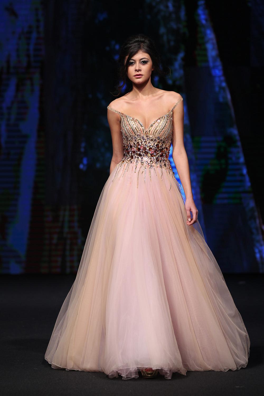 Moderno Tamaño De 28 Vestidos De Fiesta Bosquejo - Colección de ...