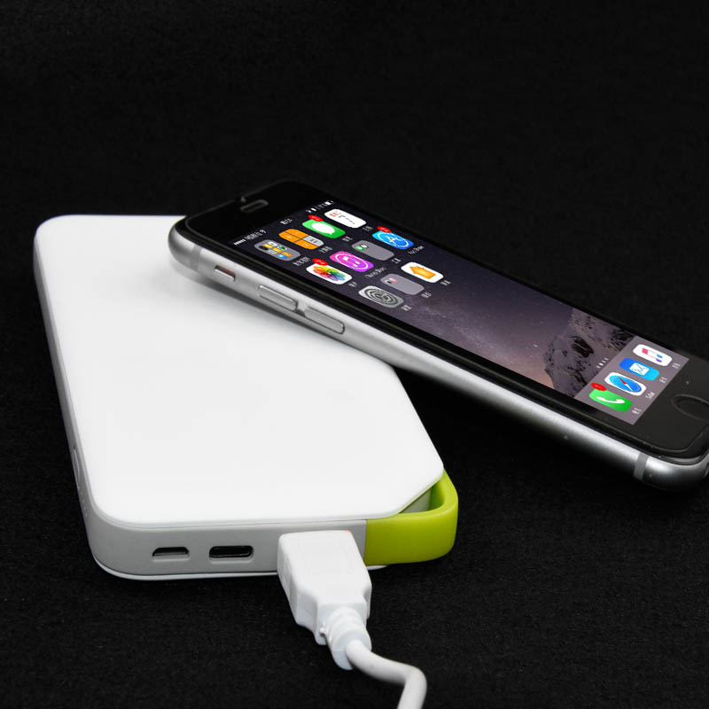 High Capacity Fast Charge White Polymer Battery Mobile Phone Power Pack