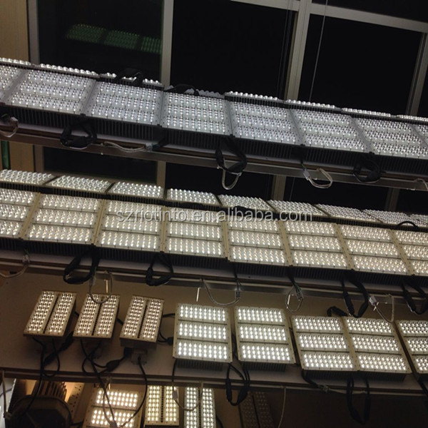5 Years Warranty Energy Saving 100W 150W 200W highbay led light for warehouse