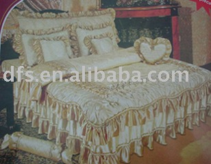 couture couvre lit satin. Black Bedroom Furniture Sets. Home Design Ideas