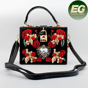 65813aa960f9 Fancy Design Handbag