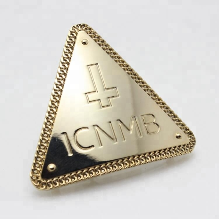 Customized Triangle Shaped Gold Plated Alloy Metal Pin/Badge Pin/Hat Lapel Pin