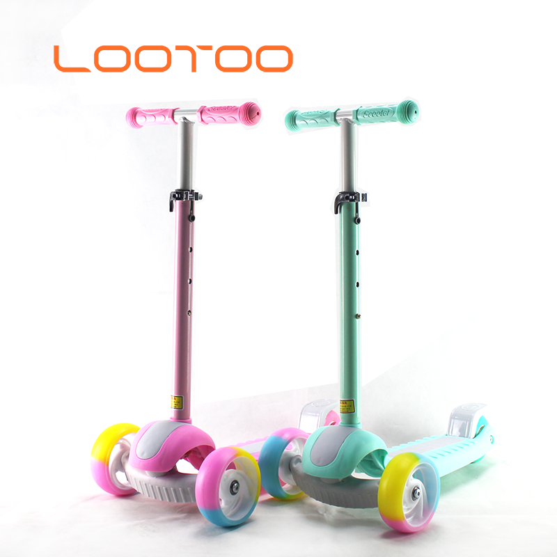 Wholesale 2019 fashion hot design cheap best sale custom kids stand kick 3 wheeled scooters for 2-6 year old toddler